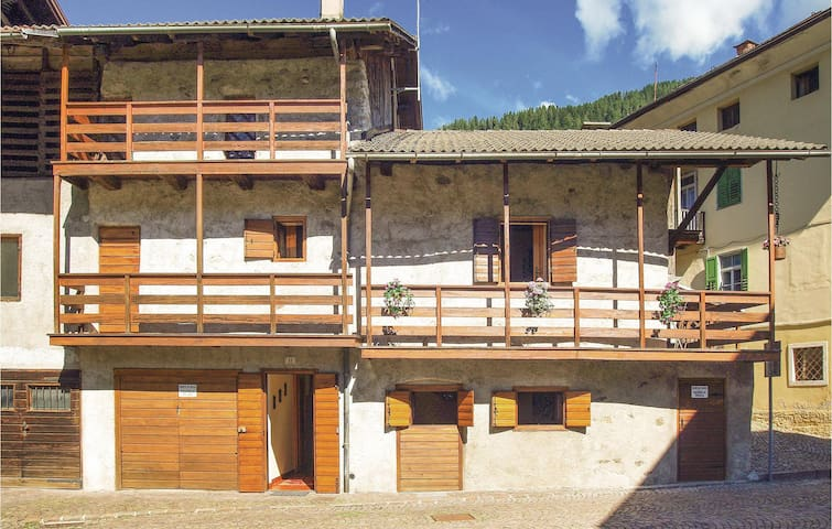 Holiday cottage with 2 bedrooms on 50 m² in Mezzano (TN)