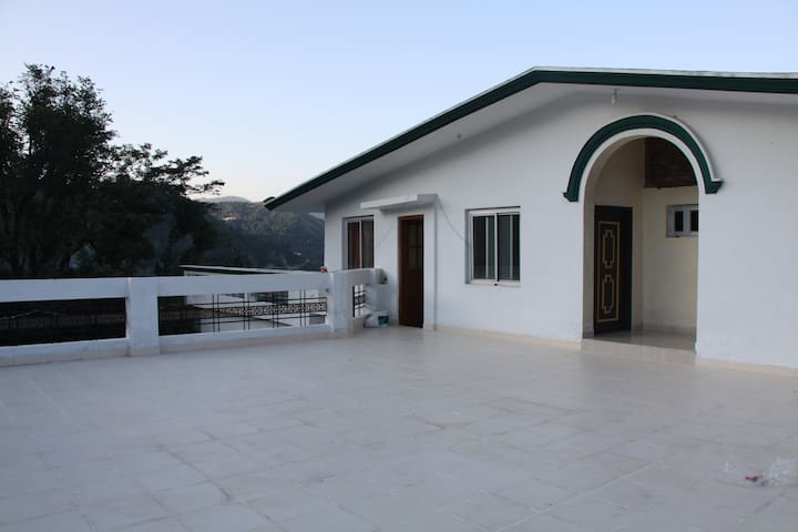 Suite Room, Valley Retreat, Chowari