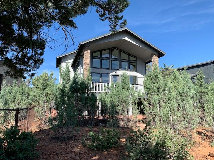 Mountain View Modern Cabin