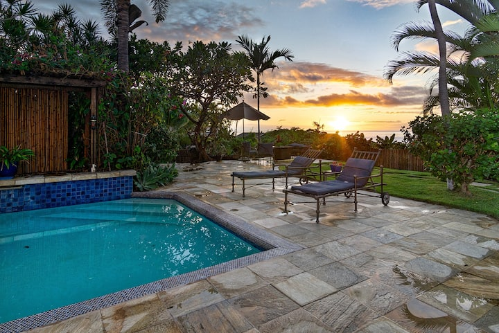 Beautiful, Updated & Lush Settings House with Privacy, Pool & Nearby beaches! - Kololia Living