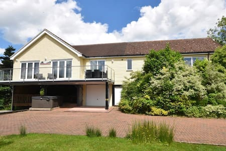 A retreat over the river Bure - Horning - Bungalow