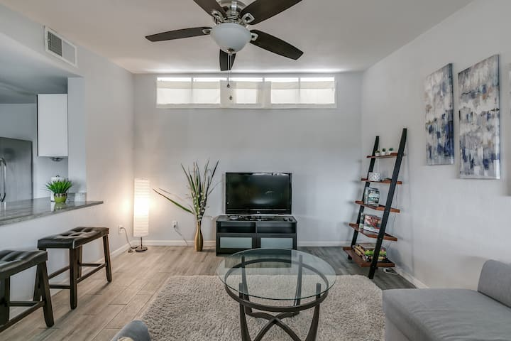 Bright & Modern  |  Private  |  Business-Ready
