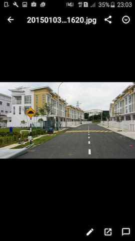 Room for homestay , tripple storey - Seri Kembangan - Casa