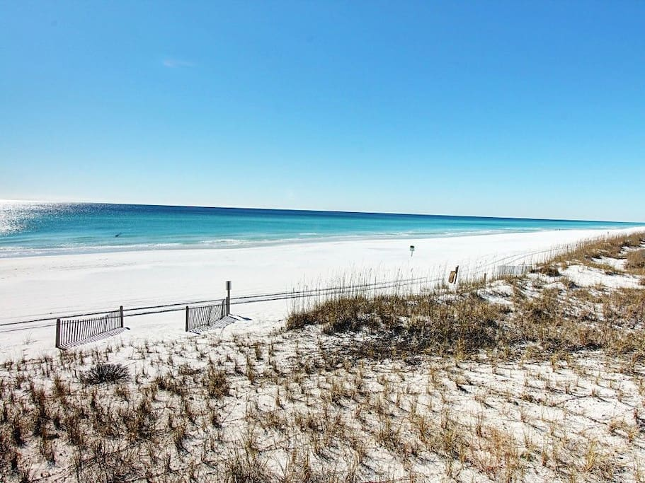The white sands and clear water of Miramar Beach (only 15-20 minutes away!)