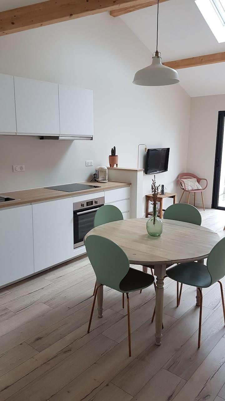 Appartement de charme avec terrasse (2-4 pers)