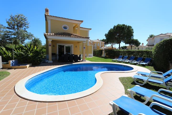 Villa Sorrento | Private pool | 5 beds | wifi