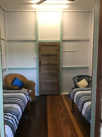 The Falls Teahouse - Twin Room