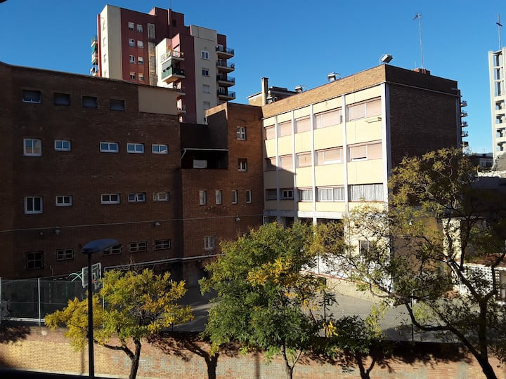 Rento Habitación Matrimonial,  Zona Sant Adreu .