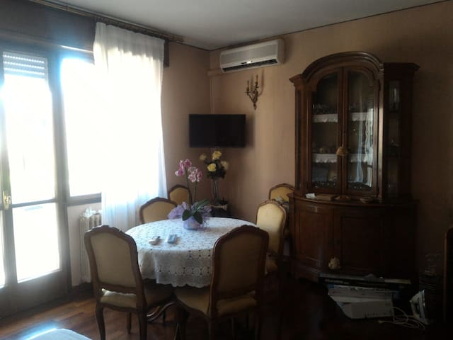 Cosy room on the continental part of Venice