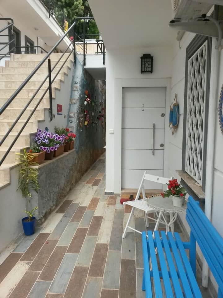 Brand new garden flat in the heart of Kas