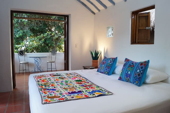 Palomar Private Room at Tamarindo B&B