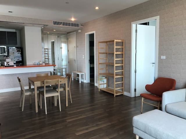 Cozy 2bedroom next to BTS, 88sqm
