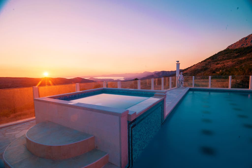 Villa Nino Heaven On Earth With Heated Pool Villas