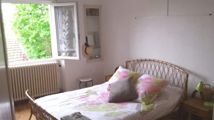 Tarn, chambre dans maison avec jardin