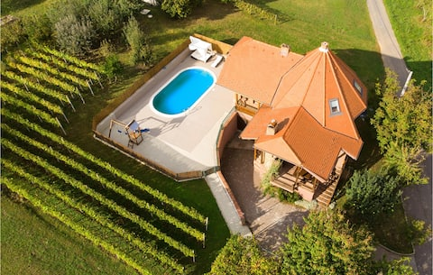 Nice home in Nasice with WiFi and 3 Bedrooms