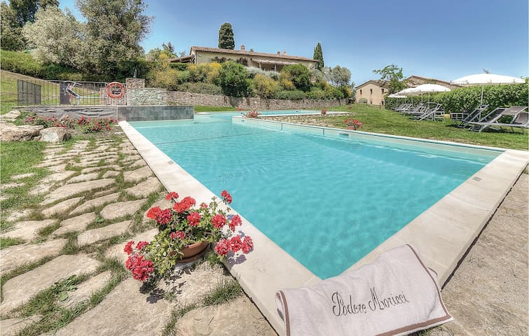 Semi-Detached with 3 bedrooms on 80m² in Montaione FI