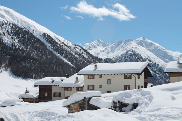Espaciosa Casa de vacaciones en Italiacerca de la zona de esquí Livigno