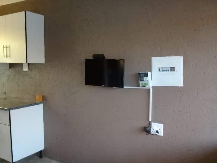 Free Wi-Fi, Hot water, Dstv