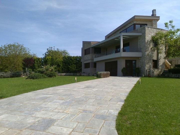 Luxury Villa Kassandrino