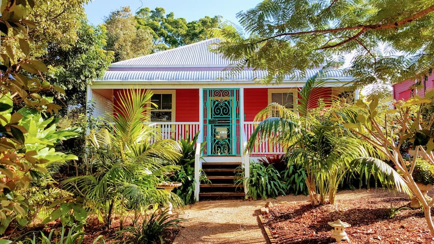 'Tinkerbell Cottage..... in the Heart of Bangalow'