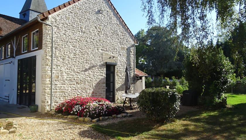 Charmante maison de village avec piscine chauffée