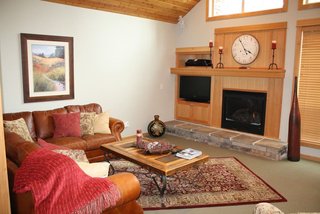 Couch,Furniture,Entertainment Center,Art,Painting