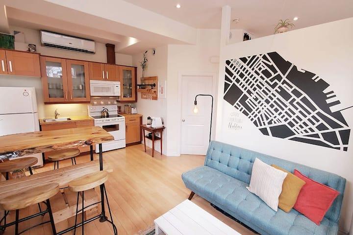 Perfect Location, Stylish, Cozy: The Corner Store.
