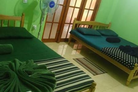 Budget Triple Room In Kandy - Peradeniya