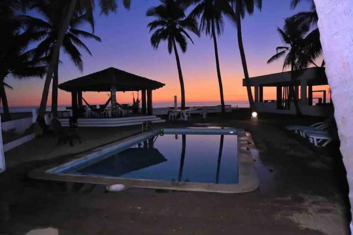 "Playa costa azul, villa completa Acajutla ""M&W"""