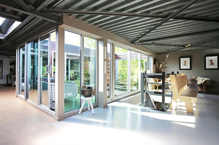 Entire Loft near beach and Amsterdam - Beverwijk - House