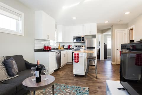 Laneway suite with AC near WEM