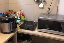 客栈里有全套厨具,喜欢下厨的朋友可以自己做饭哦。