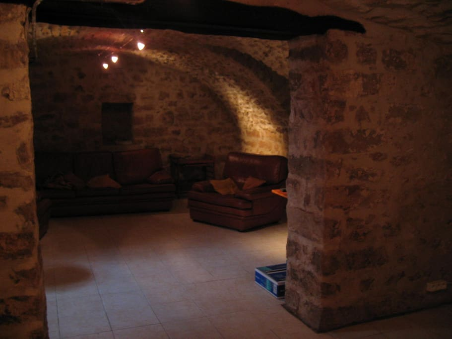 cave voutée/ vaulted room