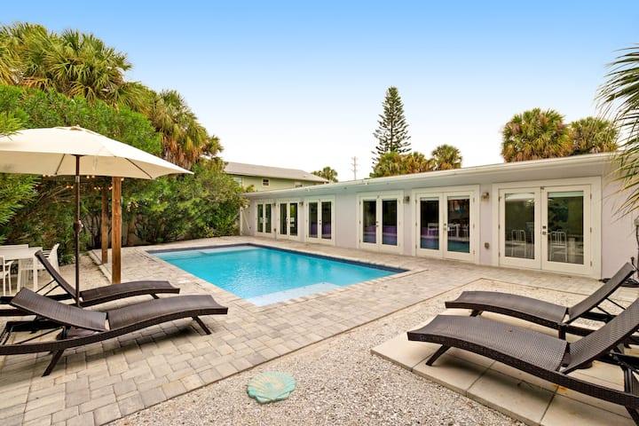 Cute & dog-friendly home w/ shared pool - walk to the beach
