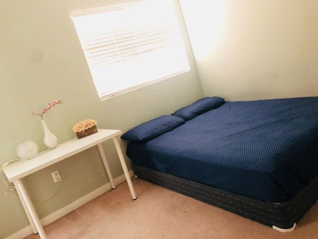 North Hollywood safety and beautiful private room