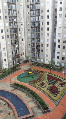 Habitacion Comoda en Zona Tranquila - Bogotá - Appartement