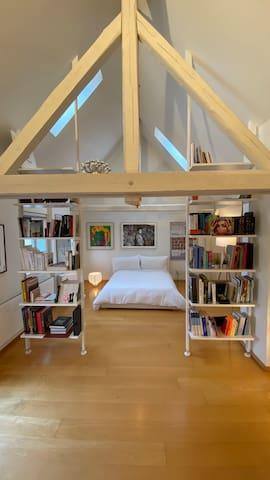 Beautiful Loft in the City