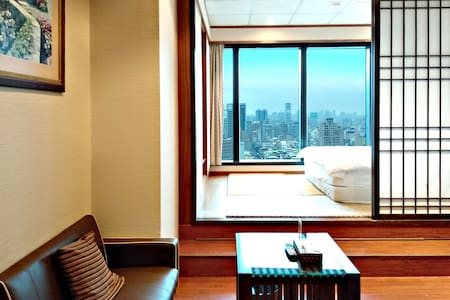 高雄85大樓—景觀和風套房