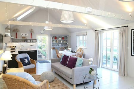 The Jam Shed, quirky barn conversion near the coast - Plumpton - Sommerhus/hytte