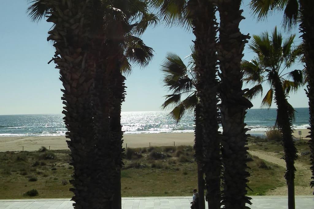 Casa junto al mar.