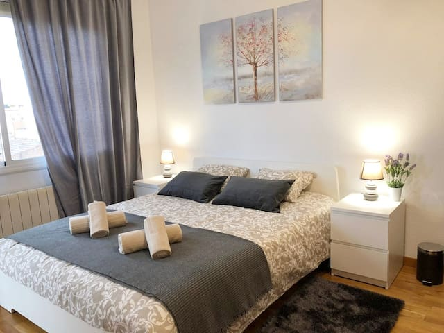 Large Room for 2 persons in Poble Nou!