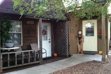 Cowboy Cabin - Granbury - Sommerhus/hytte