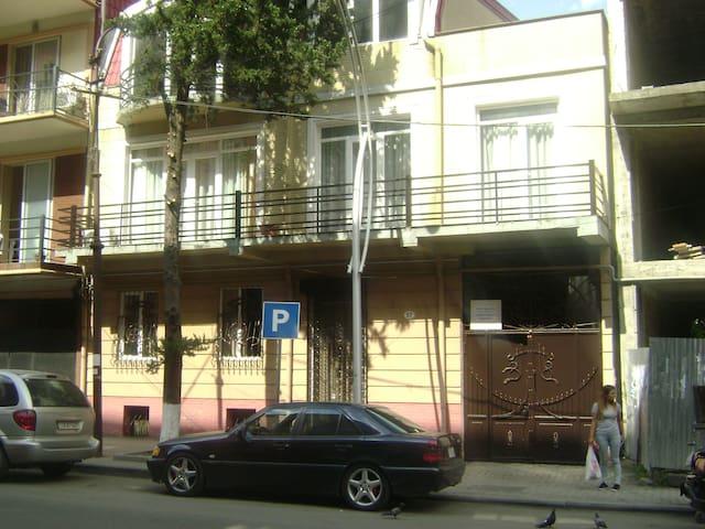 трехместный номер с балконом.