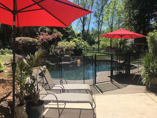 Pool House Retreat Among Redwoods! - Fair Oaks - Haus