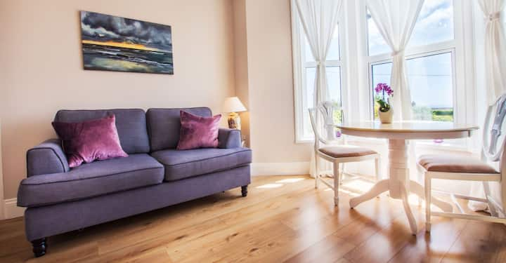 Athena Apartment at Rockleigh Place