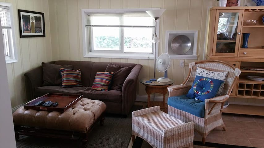 While the room does not have a tv, we have a sunroom off the kitchen with a small tv that you are welcome to use. Please not that during the winter months it is a little cold in the room.