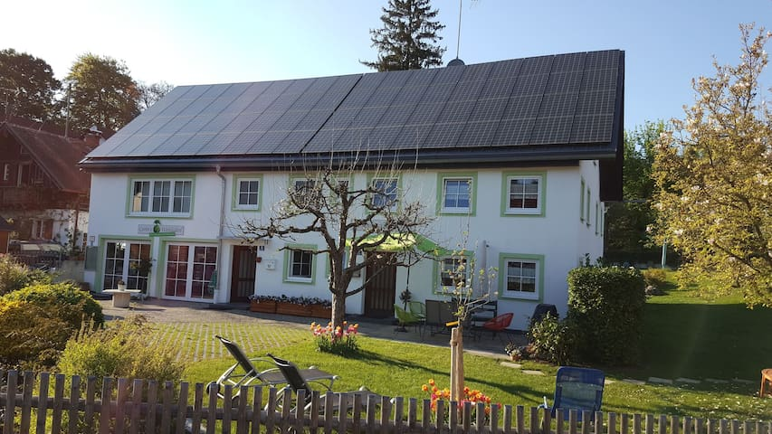 """Cottage """"Ferienhaus Carin"""" with Wi-Fi, Garden and Close to the Shore; Parking Available"""