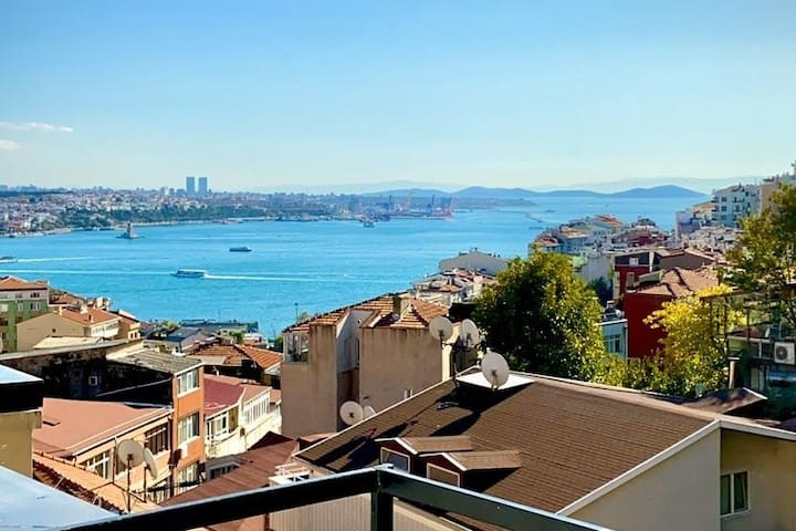 Central & Comfortable Flat at Taksim with Sea View