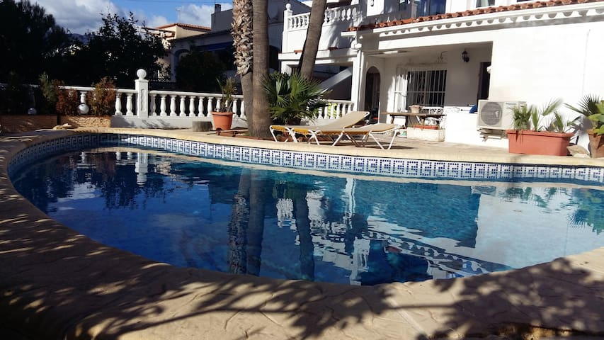 Modern 2 Bed Apartment With Pool in Calpe