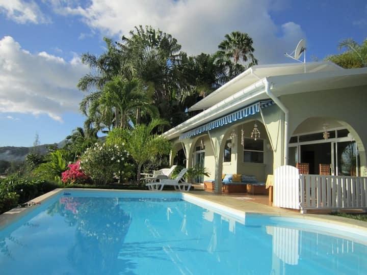Villa Moorea Hoe et sa piscine-vue sur le lagon